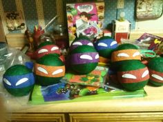 Mini Ninja Turtle pinatas