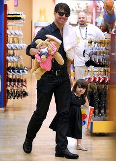 Suri Cruise: Her Life With Dad Tom: Beary Good Dad