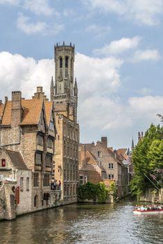 Photo Essay, Tower Bridge, Medieval, Past, Beautiful Pictures, Places To Visit, Hacks Diy, Mansions, Organization Hacks