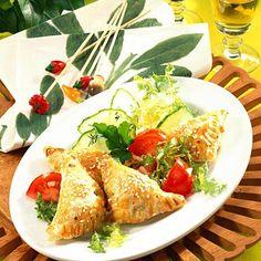 Blätterteigtaschen mit Spinat Rezept   LECKER