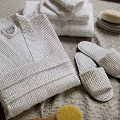 Give yourself the whole hotel spa experience with this luxury Egyptian cotton gift set complete with a waffle robe, slippers and Turkish towel set. It makes for a lovely gift for someone you love and the ultimate treat-yourself essential for a home spa day.
