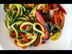 10 Delicious Zoodle (Zucchini Noodle) Recipes | Mom Spark - A Trendy Blog for Moms - Mom Blogger
