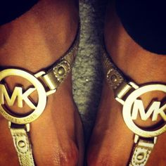 I'm in love with these Michael Kors sandals!