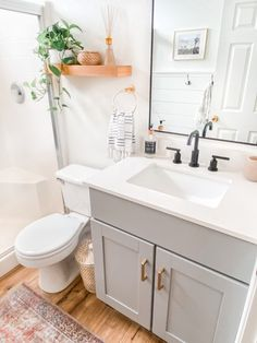 Update Small Bathroom Pictures Luxury Small Bathroom Remodel Ideas Befor and after Diy Bathroom Remodel, Small Bathroom Makeovers, Small Bathroom Designs, Very Small Bathroom, Small Bathroom Colors, Small Bathroom Renovations, Simple Bathroom Makeover, Decorating Small Bathrooms, Basement Bathroom Ideas