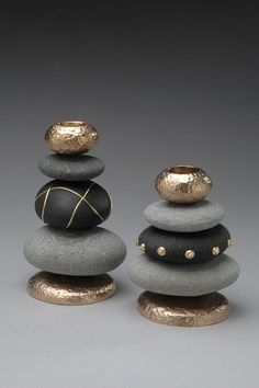 DIY: 20 ideas to make yourself to integrate pebbles to your decor!DIY: 20 Ideen, um Kieselsteine in Ihr Dekor zu integrieren!Stacked painted stones for upscale zen lookstacked painted rocks - could make a cool chess set!Telenor E-post :: Vi fan Stone Crafts, Rock Crafts, Diy And Crafts, Arts And Crafts, Paper Crafts, Creative Crafts, Yarn Crafts, Decor Crafts, Pebble Painting
