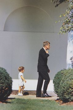John F. Kennedy and John F. Kennedy Jr., 1963.    Famous People  multicityworldtravel.com We cover the world over 220 countries, 26 languages and 120 currencies Hotel and Flight deals.guarantee the best price