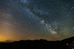 Milchstrasse mit Lichtverschmutzung / Sterne / Der Himmel / Galerie | Nies.ch Northern Lights, Sky, Celestial, Sunset, Nature, Travel, Outdoor, Pictures, Light Pollution