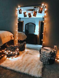 35 Beautiful DIY Fairy Light for Minimalist Bedroom Decoration - Bedroom inspirations - # Room Ideas Bedroom, Small Room Bedroom, Master Bedroom, Diy Bedroom, Budget Bedroom, Bedroom Ideas For Small Rooms Cozy, Bedroom Furniture, Master Master, Master Suite