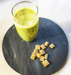 Un rico yogurt natural de manzana mango y #MatchaChile nos comparte @clau_har para comenzar el día con energía  10 veces más antioxidantes que un té verde tradicional 100% orgánico Compras con envío a todo Chile en http://ift.tt/2jo8tPb  Compras al por mayor escribir a contacto@matchachile.com  ----------- #matcha #matchalovers #matchatea #matchayogurt #téVerde #desayuno #energía #chile #antioxidantes