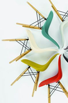 Modern Furniture // Eames plastic side chair in red, green, white, and yellow // Vitra Dining Furniture, Cool Furniture, Modern Furniture, Furniture Design, Blue Dining Room Chairs, Cafe Chairs, Desk Chairs, Contemporary Chairs, Vintage Chairs