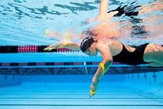 Swimming drills: do them well or not at all! Some of the most common stroke correction drills used by triathletes and swimmers in swimming pools all over the world may even be harming your stroke. Swimming Drills, Swimming Tips, Swimming Pools, Swim Training, Triathlon Training, Training Equipment, Swimming For Beginners, Swim Technique, Swimming Pictures