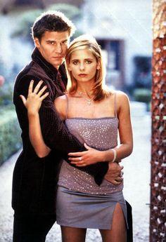 Buffy-Sarah-Michelle-Gellar-David-Boreanaz-Angel-dvdbash26