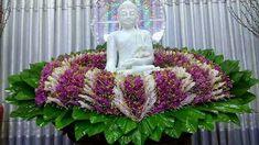 Church Flower Arrangements, Floral Arrangements, Buddha Flower, Buddha Art, Family Crafts, Flower Ideas, Shiva, Temple, Floral Design