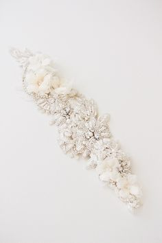 Bohemian femininity meets vintage glamour in the Sydney embellished wedding headpiece. For the modern bride looking for a glamorous alternative to a veil.