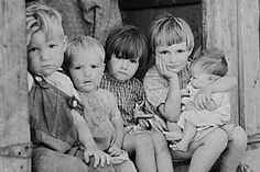 Touching Young Children Small Baby Reprint Old Photo Vintage Photographs, Vintage Images, Old Pictures, Old Photos, Small Baby, Cool Baby Stuff, Historical Photos, Vintage Children, Black And White Photography