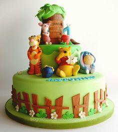 winnie the pooh baby cakes   sogni di zucchero: Winnie the pooh cake
