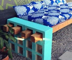 Check out how to build an easy DIY outdoor bench or sofa @istandarddesign