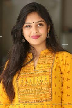 Cute Beauty, Beauty Full Girl, Beauty Women, Beautiful Girl Indian, Beautiful Girl Image, South Indian Actress Hot, Indian Girls Images, Cute Girl Pic, Beautiful Women Pictures