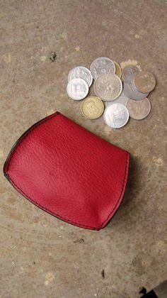Cranberry Nicola, Chiaroscuro, India, Pure Leather, Handbag, Bag, Workshop Made, Leather, Bags, Handmade, Artisanal, Leather Work, Leather Workshop, Fashion, Women's Fashion, Women's Accessories, Accessories, Handcrafted, Made In India, Chiaroscuro Bags - 5
