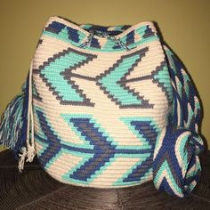 Authentic 100% Wayuu Mochila Colombian Bag Medium Gorgeous blue beige crossbody  | eBay