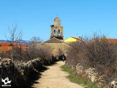 Santa Catalina de Somoza está situada en el centro de la provincia de León, en la comarca de la Maragatería