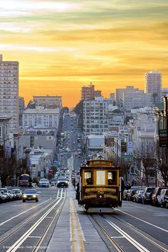 Sunset down California St., San Francisco | California (by Nathaniel Bernardo)