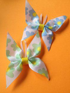 Hairpin Butterflies Out of Ribbon Idea Ribbon Hair Clips, Hair Ribbons, Diy Hair Bows, Diy Bow, Diy Ribbon, Ribbon Crafts, Flower Crafts, Ribbon Bows, Fabric Crafts