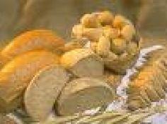 Receita de Pão integral de Batata - :: Extrato de Soja ('Leite de Soja') - 1 1/2 colher (sopa) (diluir em 150ml de água), :: Açúcar Demerara - 1 colher (sopa), :: Sal Moído Iodado Marinho - 1 colher de (sobremesa), :: Açúcar Demerara - 1 colher de (sopa), :: Farinha de Arroz Integral Tostado - 200g, :: 1 xícara (chá) de manteiga, :: 2 tabletes de fermento para pão, :: 200 gr de batata amassada, :: 200g de fécula de batata, :: 3 ovos