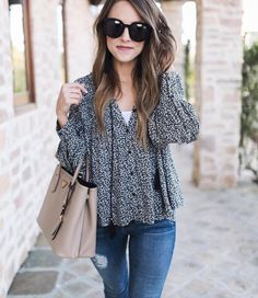 Need casual outfits? Mia will find them for you (link in bio) : @darylanndenner
