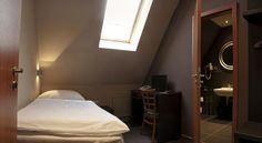Booking.com: Hotel Rango , Plzeň, Česko Oversized Mirror, Bed, Furniture, Design, Home Decor, Decoration Home, Stream Bed, Room Decor
