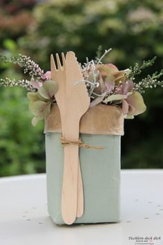 This is fix no. 14 – Tetrapack Upcycling This is fix no. 14 – Tetrapack Upcycling – Table cover yourself This is fix no. 14 – Tetrapack Upcycling This is fix no. 14 – Tetrapack Upcycling – Table cover yourself Tetra Pak, Diy Gifts For Mom, Cute Gifts, Recycled Crafts, Diy And Crafts, Graduation Gifts For Him, Christmas Party Invitations, Birthday Diy, Best Friend Gifts