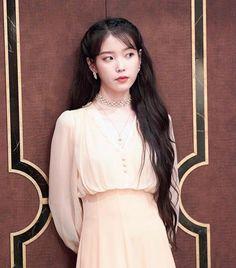 Iu Boyfriend, Daughters Boyfriend, Kpop Shirts, Look Older, Iu Fashion, Pink Room, Korean Artist, Beautiful Asian Girls, Girl Crushes