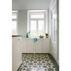 via mosaikfliesen zementfliesen kreidefarbe terrazzoplatten ideen rund ums haus. Black Bedroom Furniture Sets. Home Design Ideas