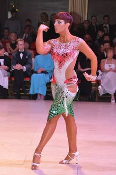 Sorry for the ballroom spam! But Awesome arm styling.