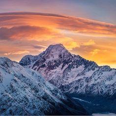 Sunrise over Mt Cook . .