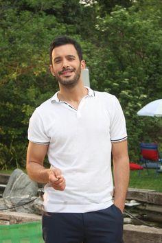 Kiralik Ask - Episode 43 Turkish Men, Turkish Fashion, Turkish Beauty, Turkish Actors, Turkish Coffee, Cute Couples Kissing, Couples In Love, Foreign Celebrities, Most Handsome Actors
