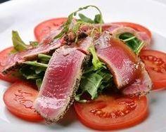 Carpaccio de thon mi-cuit, mariné au soja et sésame : http://www.cuisineaz.com/recettes/carpaccio-de-thon-mi-cuit-marine-au-soja-et-sesame-63002.aspx