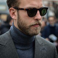 Grey on Gray...Captured by @robs_h during the second Day of #pittiuomo87...#menswear #style #suit #pitti #pittiuomo #sartoriapartenopea #handmade #fattoamano #fullcanvas #turtleneck #bergandberg #sunglasses #epos #inspiration #manolosweden #sartorial