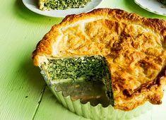 Dags för italiensk påskpaj - Torta Pasqualina! 🤸🏻♂️ Frasig smördeg som omfamnar en blandning av bland annat spenat, kronärtskocka och…