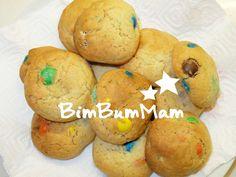 Biscotti golosi arcobaleno - BimBumMam - Questa ricetta colorata di biscotti golosi arcobaleno è molto facile da fare. Potete proporla per occasioni speciali come compleanni!