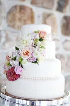 Simple and gorgeous wedding cake  (Photography: Adeline & Grace Photography - adelineandgrace.com)  Read More: http://www.stylemepretty.com/new-england-weddings/2014/02/26/rustic-narragansett-wedding/