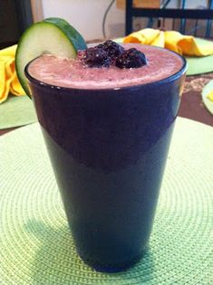 Cucumber Blackberry Smoothie- healthy too! Antioxidant, anti-inflammatory and cancer-fighting - WOW!