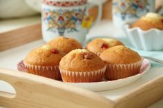 yummy muffin: Nedělní snídaně v posteli Muffin, Breakfast, Food, Morning Coffee, Essen, Muffins, Meals, Cupcakes, Yemek