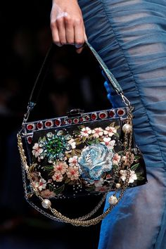 Sfilata Dolce & Gabbana Milano - Collezioni Primavera Estate 2016 - Vogue