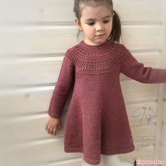 60 Ideas crochet dress girl design for 2019 Crochet Dress Girl, Knit Baby Dress, Crochet Baby Clothes, Baby Cardigan, Girls Sweater Dress, Knit Crochet, Knitting For Kids, Baby Knitting Patterns, Knitting Designs