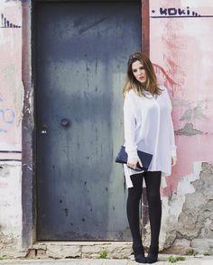 IRUSU: Pretender no estar ahí cuando alguien golpea tu puerta. Dulces sueños!!  #newpost #linkinbio #nuevopost #fashionblogger #blogger #blog #modaandaluza #fashion #instablogger #instafashion #inspo #outfit #ootd #look #igers #Sevilla #tdsmoda #jueves #trend #trendy #tendencia #chic  @sermodeloporundia #iammoohly by iammoohly