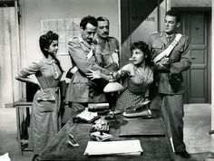 "Maria Pia Casilio, Memmo Carotenuto, Vittorio De Sica, Gina Lollobrigida and Roberto Risso in Luigi Comencini's ""Pane, amore e fantasia"" (English title: ""Bread, Love and Dreams"", 1953)."