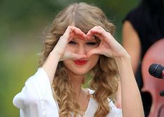 """""""I'm not that complicated….All you have to do to be my friend is like me and listen."""" - Taylor Swift (lovelovelove)"""