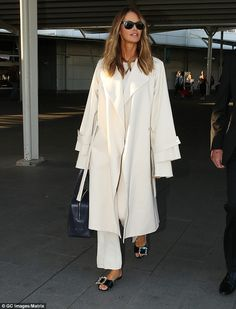 Elle Macpherson touches down in Sydney in chic all-white ensemble | Daily Mail…