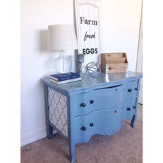 Farm Fresh Homestead. Vintage serpentine dresser painted with chalkpaint and sooo flower papered sides. Antique, shabby chic, diy